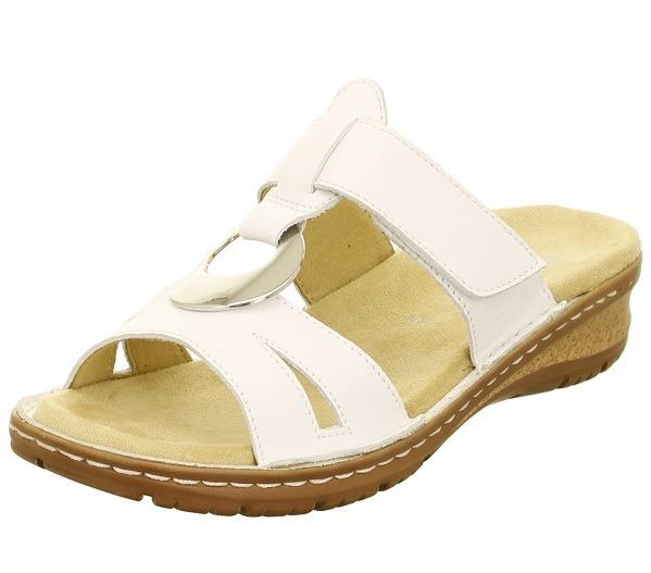 fd1a4b2bd2e8c ARA - Šľapky - Biele dámske šľapky na platforme značky Ara