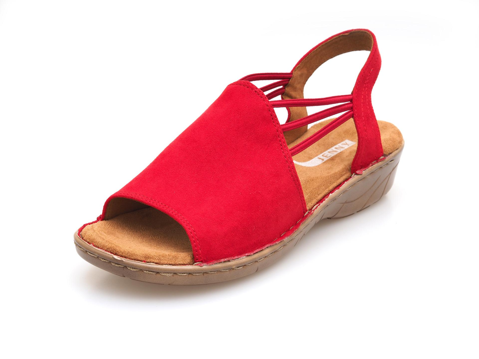 6a9d4524d4 ARA - Sandále - Červené dámske sandále na nízkom podpätku značky Jenny