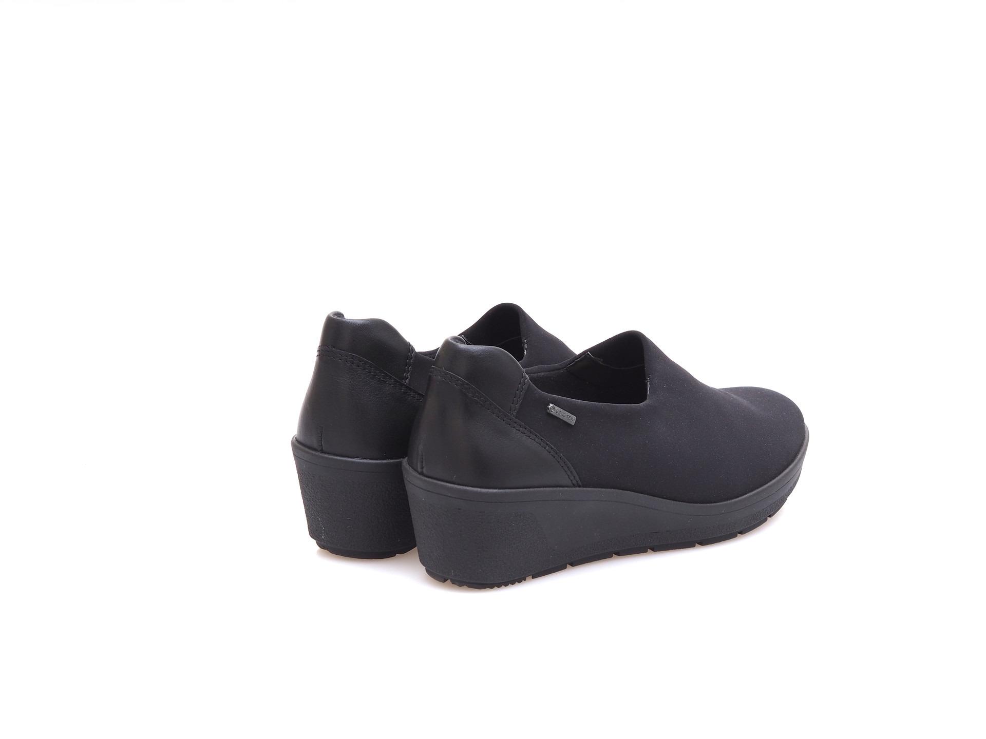0010ff9230e0 ARA - Mokasíny - Dámska členková obuv Gore- Tex značky Ara