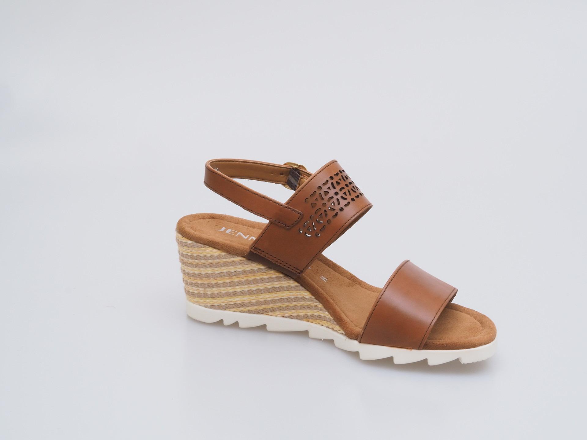 4e5438dd0404 ARA - Sandále - Dámska otvorená sandála na klinovom podpätku hnedá